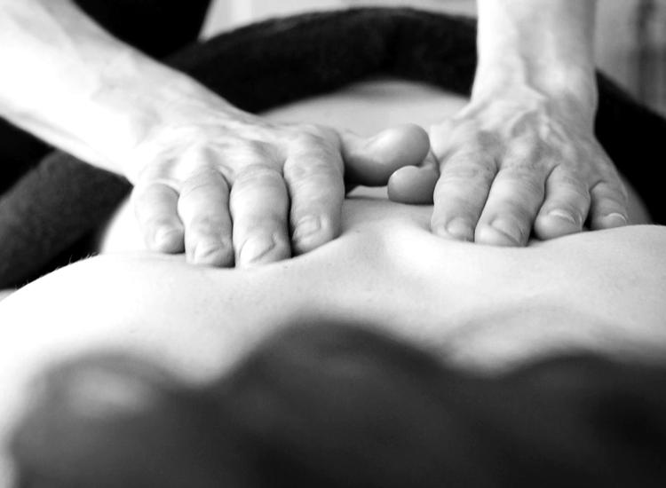 Masajes eróticos: para qué sirven y cómo se dan. Accesorios en vibrashop